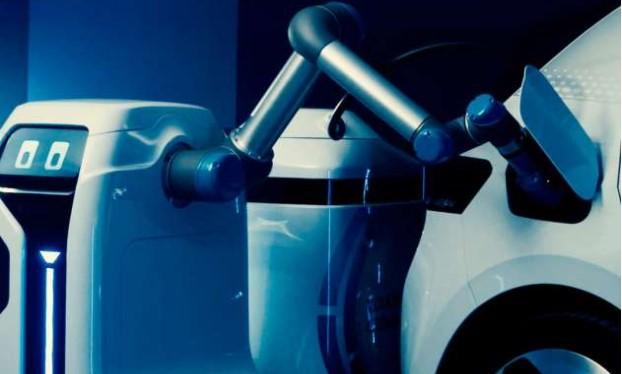Auto Elettrica: Volkswagen svela un prototipo del suo R2-D2 per ricaricarle