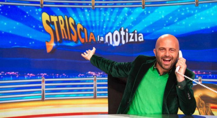 Napoli: Fabbrica di documenti falsi smascherata da Luca Abete a Striscia La Notizia