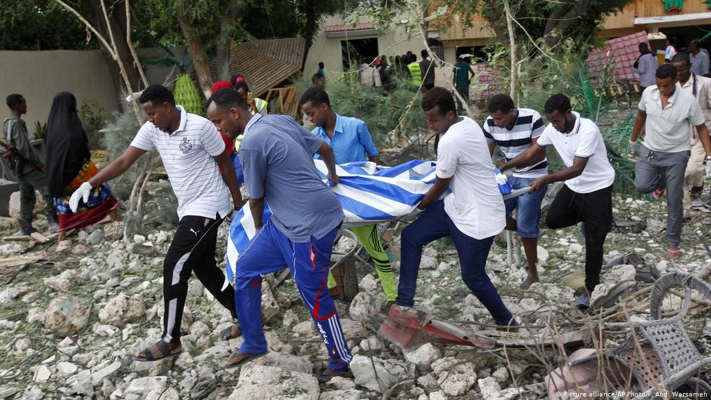 Somalia nel terrore per un attacco kamikaze in un ristorante