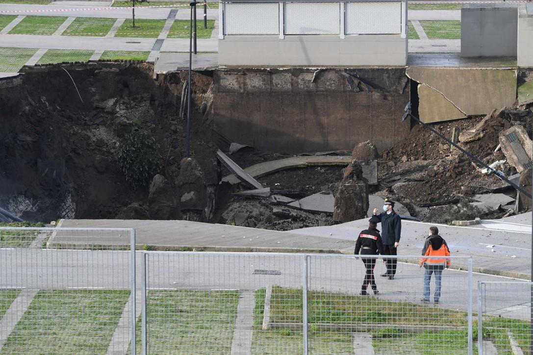 Esplosione Napoli: Video Voragine Ospedale Del Mare a Ponticelli