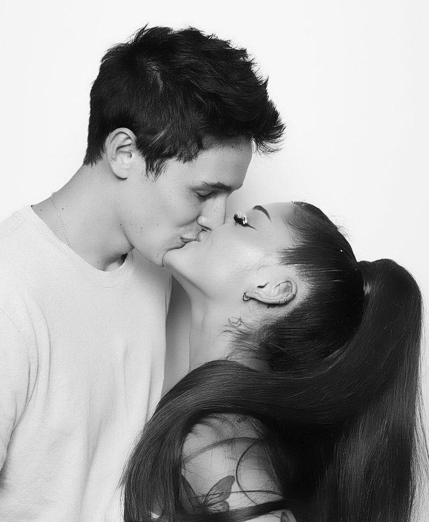 Ariana Grande si è fidanzata con Dalton Gomez