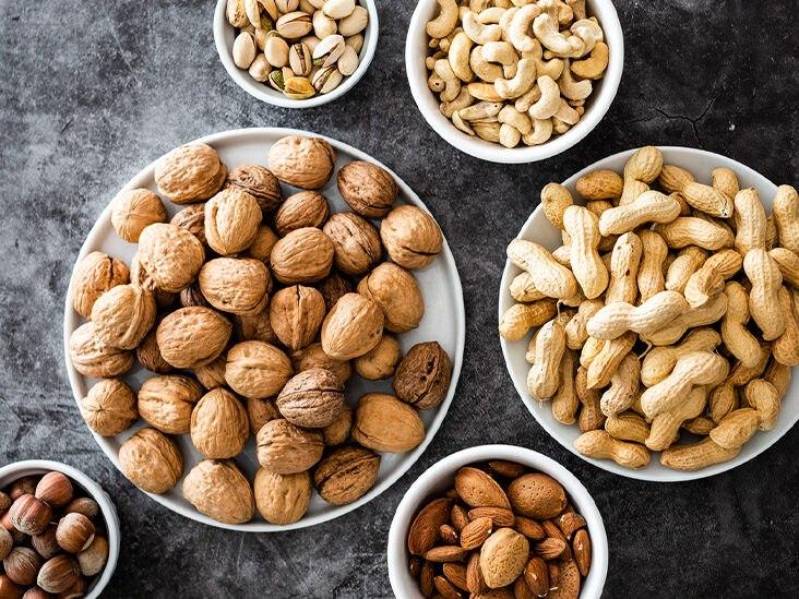 Frutta a guscio ad alto contenuto di proteine da aggiungere alla dieta.