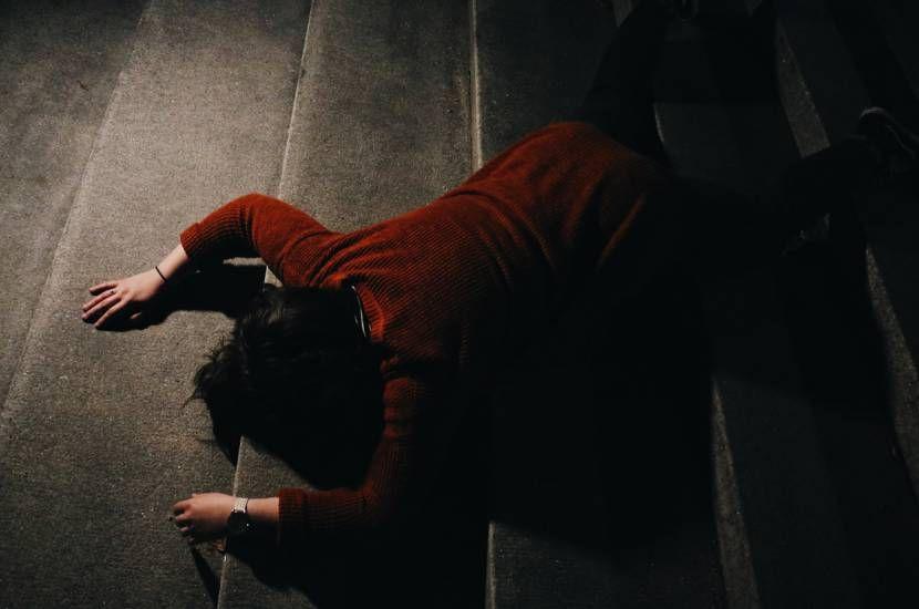 Uno stupro di gruppo per punire la moglie che gli ha chiesto il divorzio