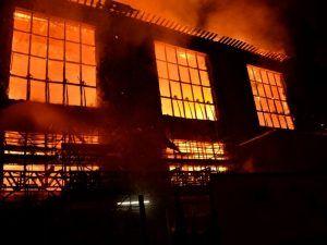 Tragedia in un asilo! Muoiono cinque bambini in un incendio