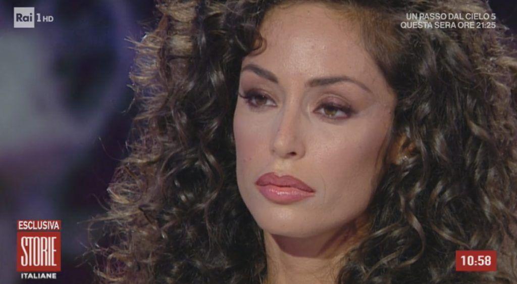 Sembri Sandra Milo… Raffaella Fico, la nuova foto scatena i fan