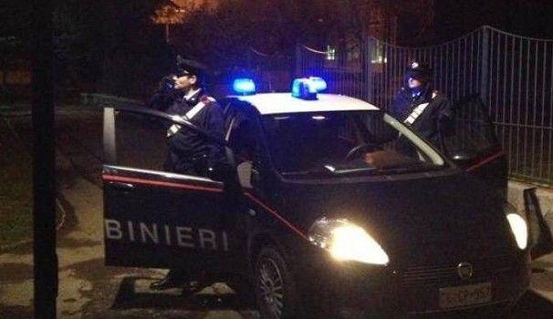 Bergamo - parte un colpo di pistola : Ex guardia giurata uccide la fidanzata 21enne