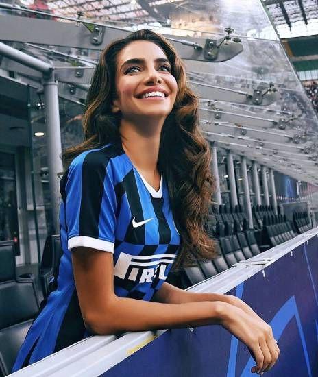 Ecco Jessica Kahawaty, la bellissima modella australiana con l'Inter nel cuore