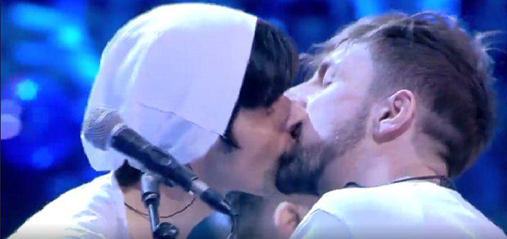 La Rua gay? Il Bacio tra Alessandro e Daniele al Serale Amici 2016