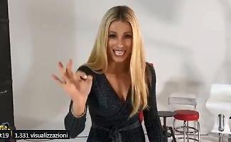 Striscia la Notizia : Michelle Hunziker ed Ezio Greggio lanciano il nuovo talent Strix Factor
