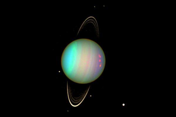 Urano : scoperto un asteroide troiano