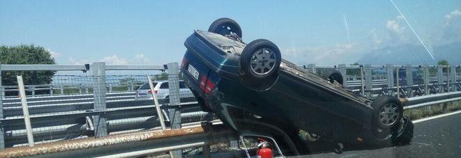 Tangenziale Udine : Si ribalta un'auto, muore un centauro di 47 anni