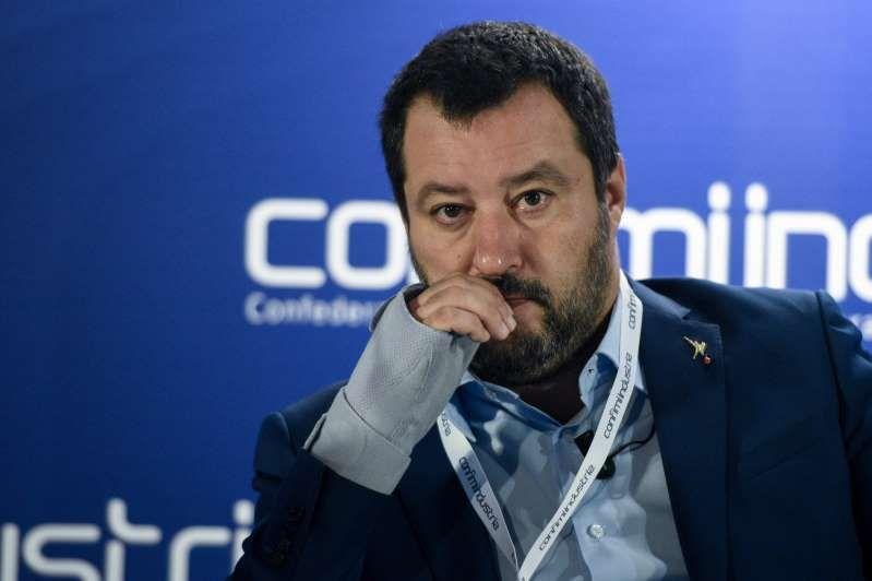 Matteo Salvini : Con Di Maio non parlo più, non passo per scemo