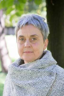 Giornalista Vogue morta : Amalia Gualteroni precipita dal 5° piano e muore sul colpo