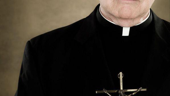 Prete picchia i bambini durante il catechismo : Denunciato e rimosso dall'incarico