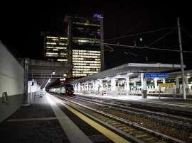 Milano : Nigeriano tenta di violentare una ragazza alla stazione Garibaldi, lei usa lo spray