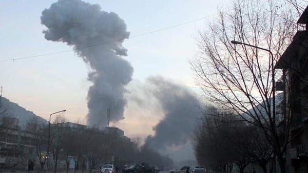 Kabul, attacco Isis all'accademia militare, 5 morti