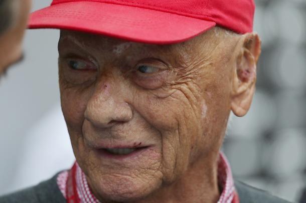 Paura per l'ex pilota! Niki Lauda ricoverato in terapia intensiva