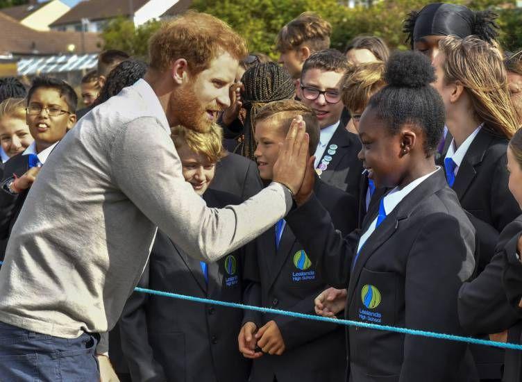Il principe Harry compie 35 anni : pubblicata nuova foto di Archie