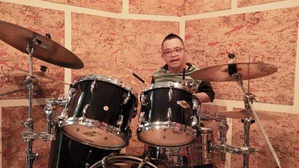Mio figlio disabile rinato grazie alla musica! la storia del piccolo Sebastian
