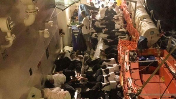 Migranti : La Spagna la accoglierà nave Aquarius, primo importante segnale dall'Italia