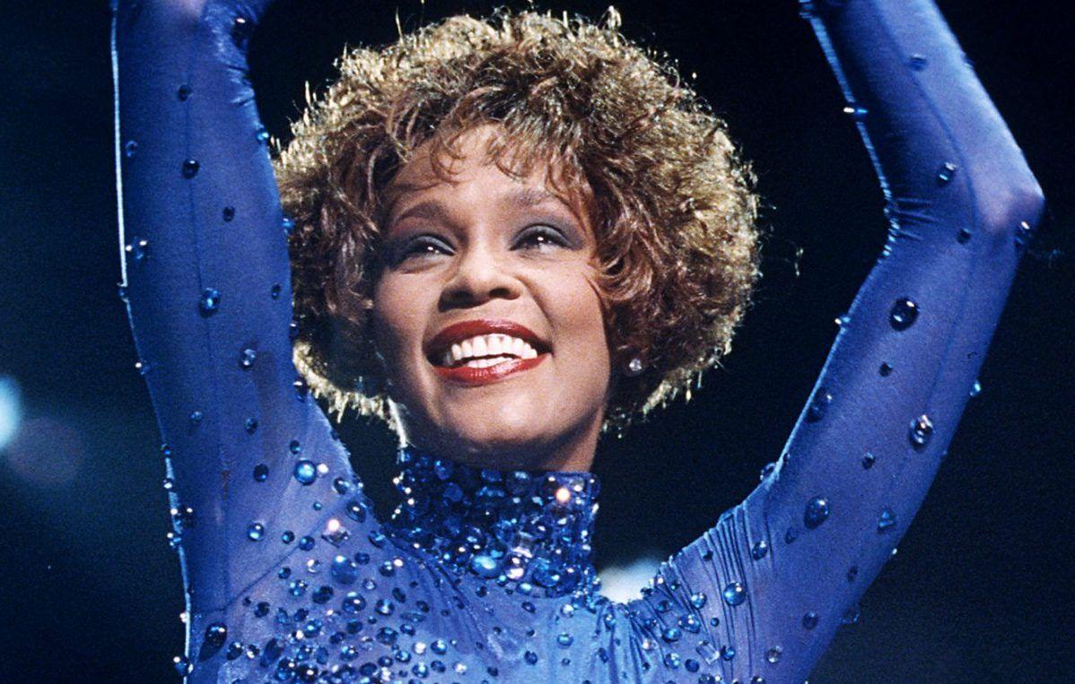 Whitney Houston omosessuale? Ne parla una sua amica