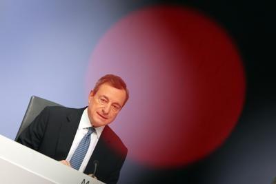 Draghi : ancora rischi, giù Pil Eurozona