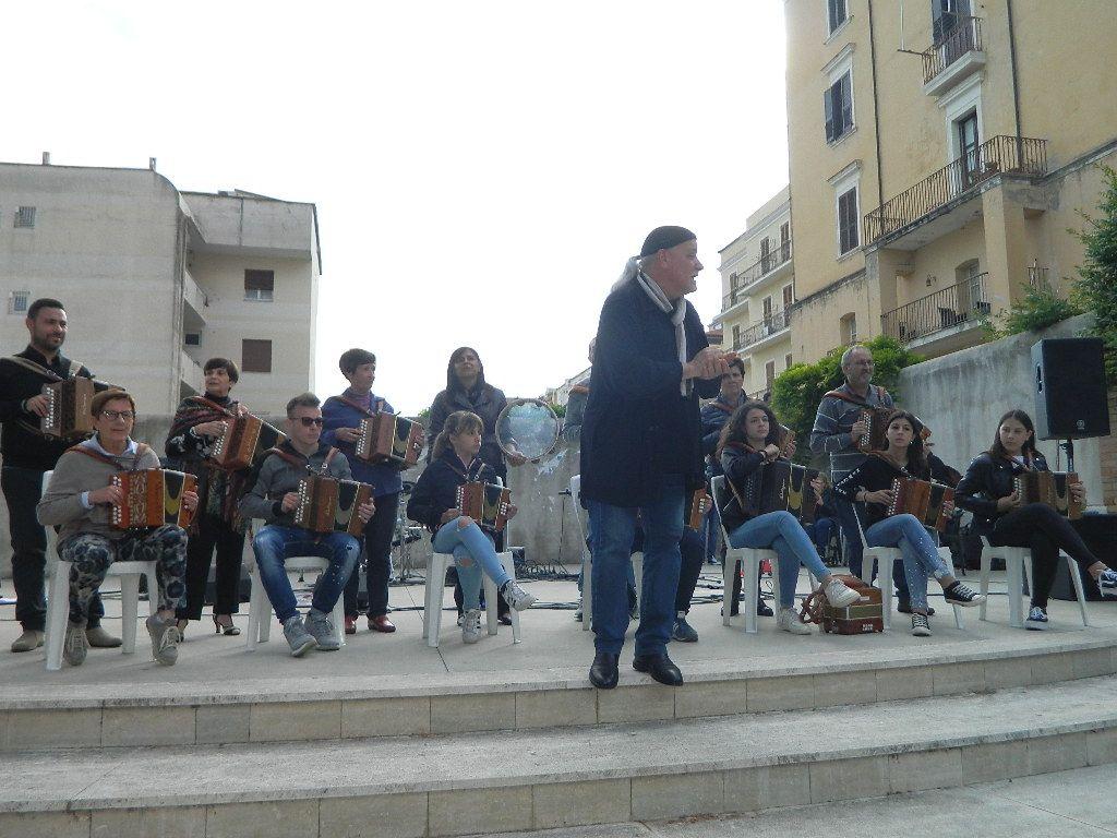 Concerto del gruppo di organetti La scatola del vento alla Villa Comunale di Formia