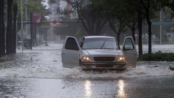 Florida dichiara lo stato di emergenza per uragano Michael