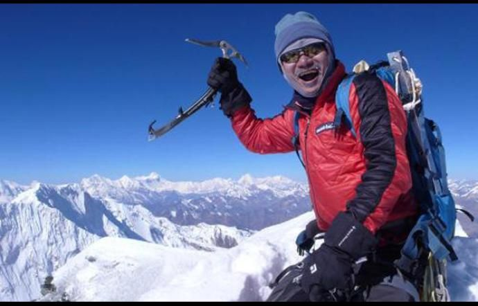 Nepal : Recuperati i corpi degli alpinisti morti