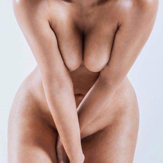 Kim Kardashian tutta nuda su Instagram : Ecco perché lo ha fatto
