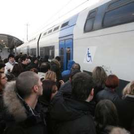 Roma : Indiano rapinato e massacrato di botte sul treno dei pendolari