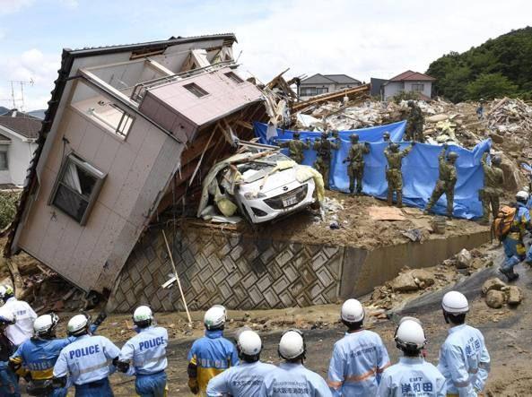 Giappone, salgono le vittime dell'alluvione : 140 morti e oltre 80 dispersi. Forti danni economici