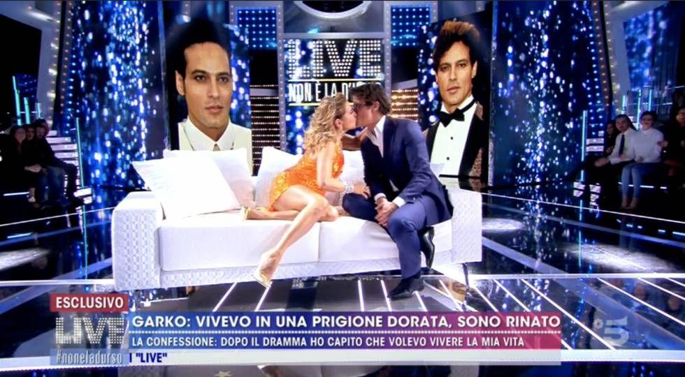 """Gabriel Garko e il bacio choc della D'Urso per testare se ha le """"labbra rifatte"""""""