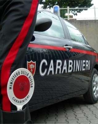Milano - 57enne aggredito da adolescenti sull'autobus : L'uomo reagisce e ne accoltella uno