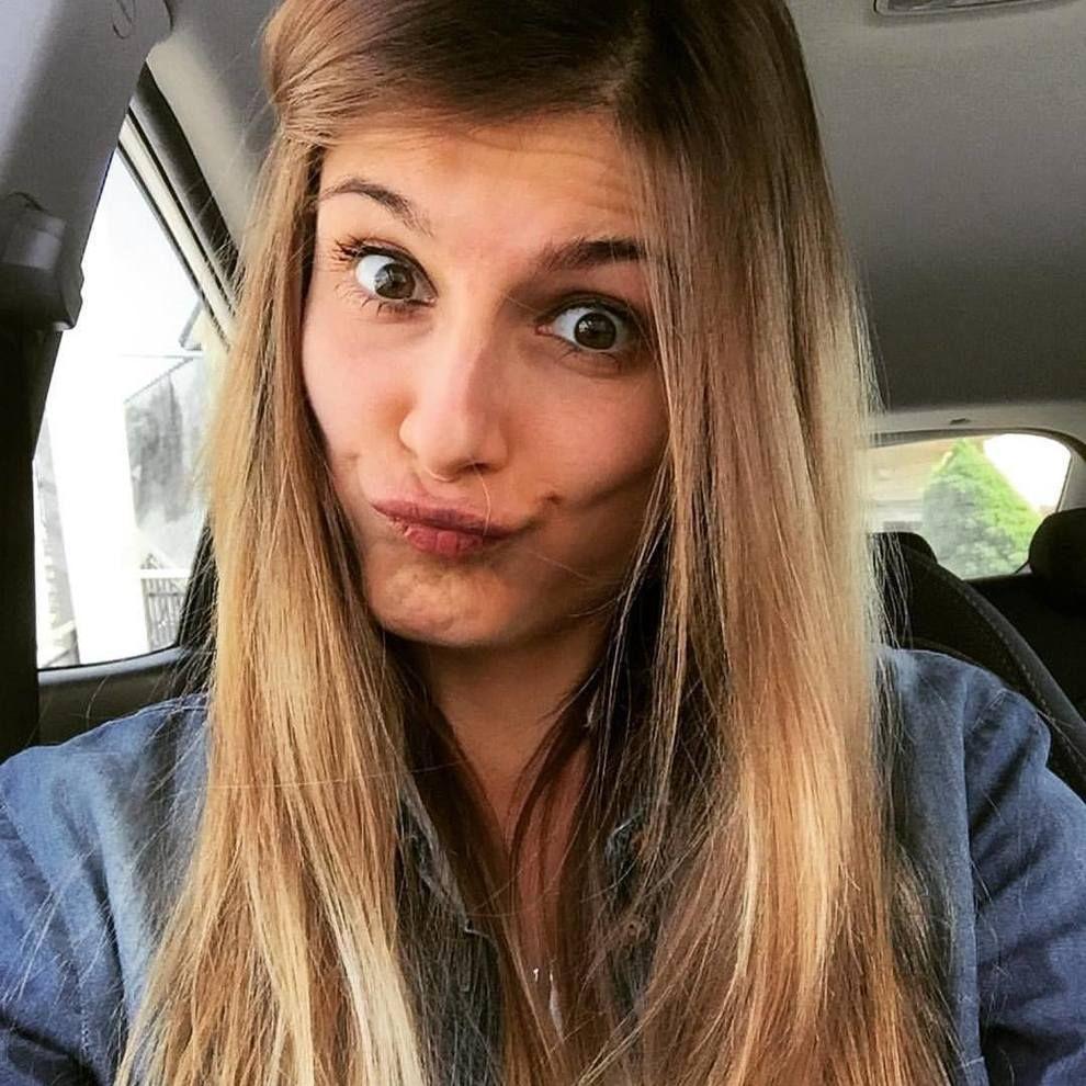 Alice Signorini non regge il dolore e muore a 26 anni : Entrambi i genitori uccisi da un terribile male