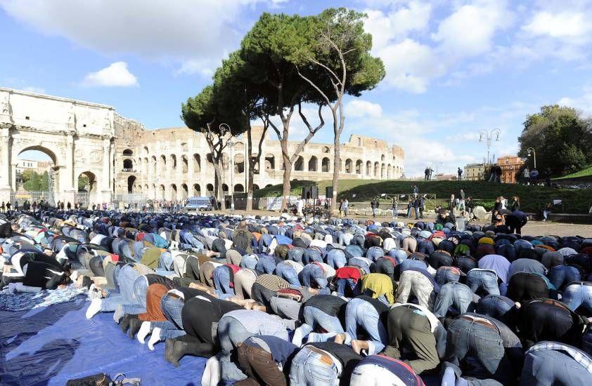 Allarme Italia : Nel 2100 i musulmani saranno metà della popolazione