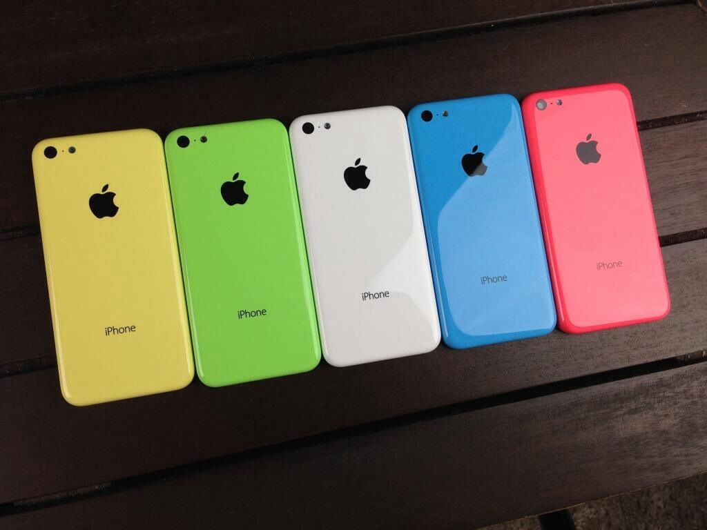Tre nuove colorazioni per il prossimo iPhone da 6.1 pollici, il Blu, il Giallo e il Rosa!