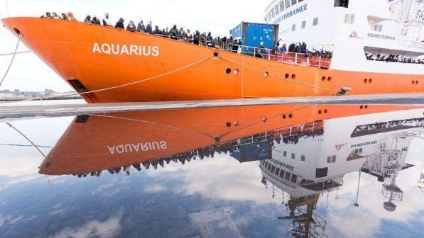Migranti, Nave Aquarius : Italia rischia responsabilità penali