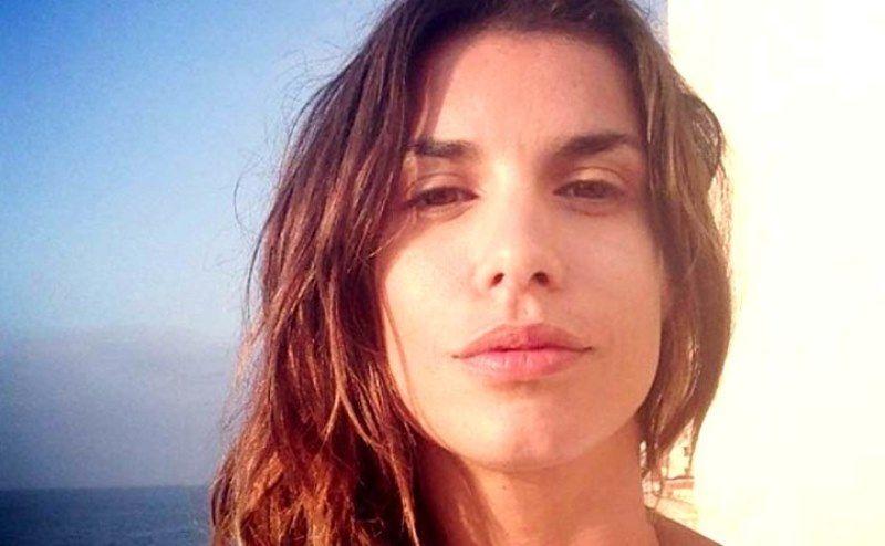 Elisabetta Canalis e lo strano dettaglio sulla scollatura