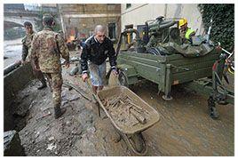 Genova | Allerta rientrata : Gli angeli del fango accusano Beppe Grillo