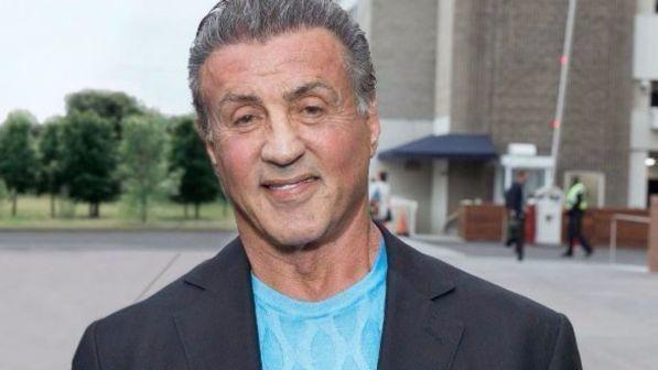 Nella bufera delle molestie anche Sylvester Stallone : L'attore 71enne nega