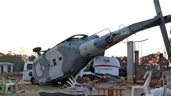 Messico/ Cade elicottero su aree terremoto : 13 morti