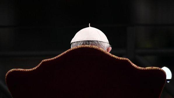 Scandalo pedofilia in Cile : Papa Francesco accetta le dimissioni di tre Vescovi