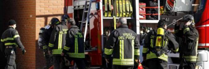 Straniero incendia la sede dei vigili! Morte un'anziana e la sua badante