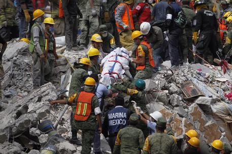 Terremoto Messico : Il bilancio delle vittime sale a 250