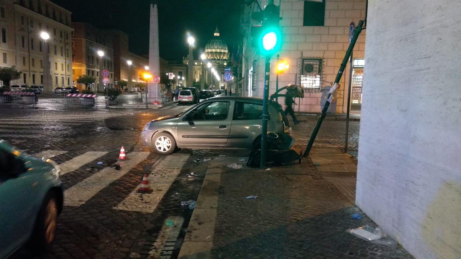Auto su pedoni vicino a San Pietro : 5 feriti, tre sono bambini