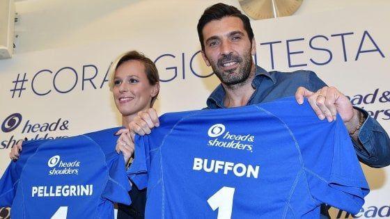 Gigi Buffon con Federica Pellegrini : complimenti a Donnarumma