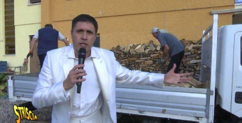 Uno di loro in ospedale! Striscia la notizia, aggredito Moreno Morello e la sua troupe