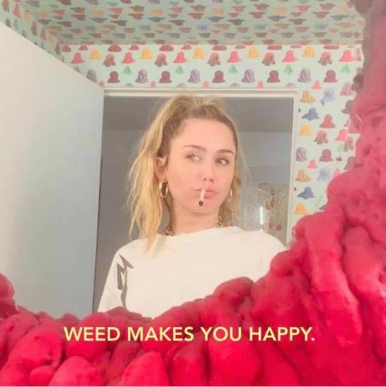 Fumare marijuana rende felice! La lezione di Miley Cyrus
