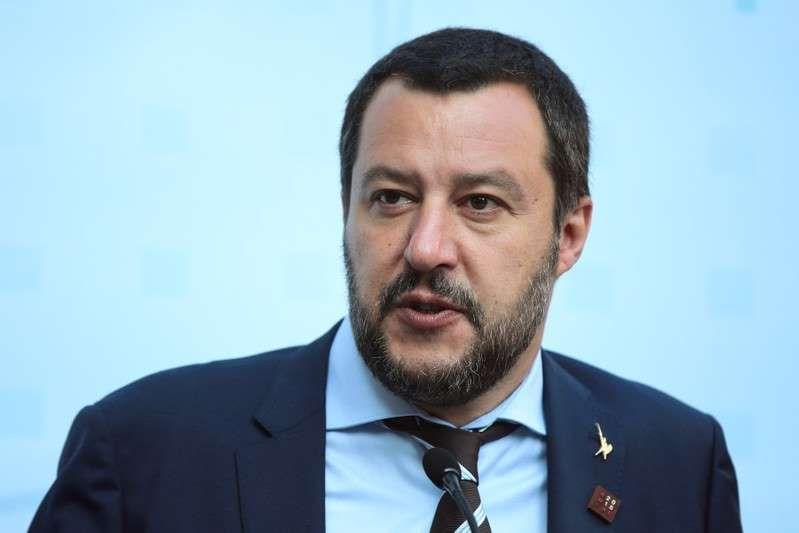 Matteo Salvini rassicura lavoratori : Il governo non toglierà il bonus Renzi e nessun aumento dell'Iva